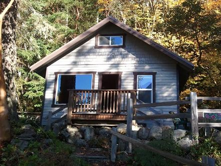 Lake Crescent Cabin is a vacation rental on the Olympic Peninsula